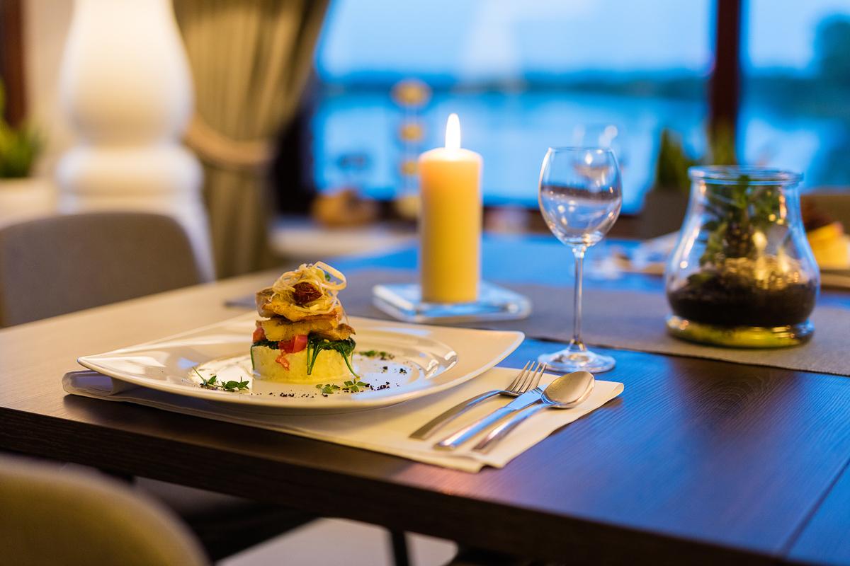 Hotel nad Jeziorem z Restauracją